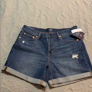 """GAP 5"""" Denim Rolled-Hem Shorts"""